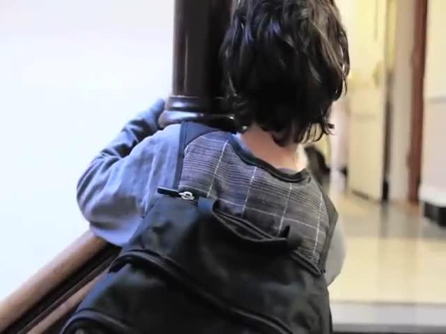 Wonder book trailer - R.J. Palacio (UK versio - TeacherTube